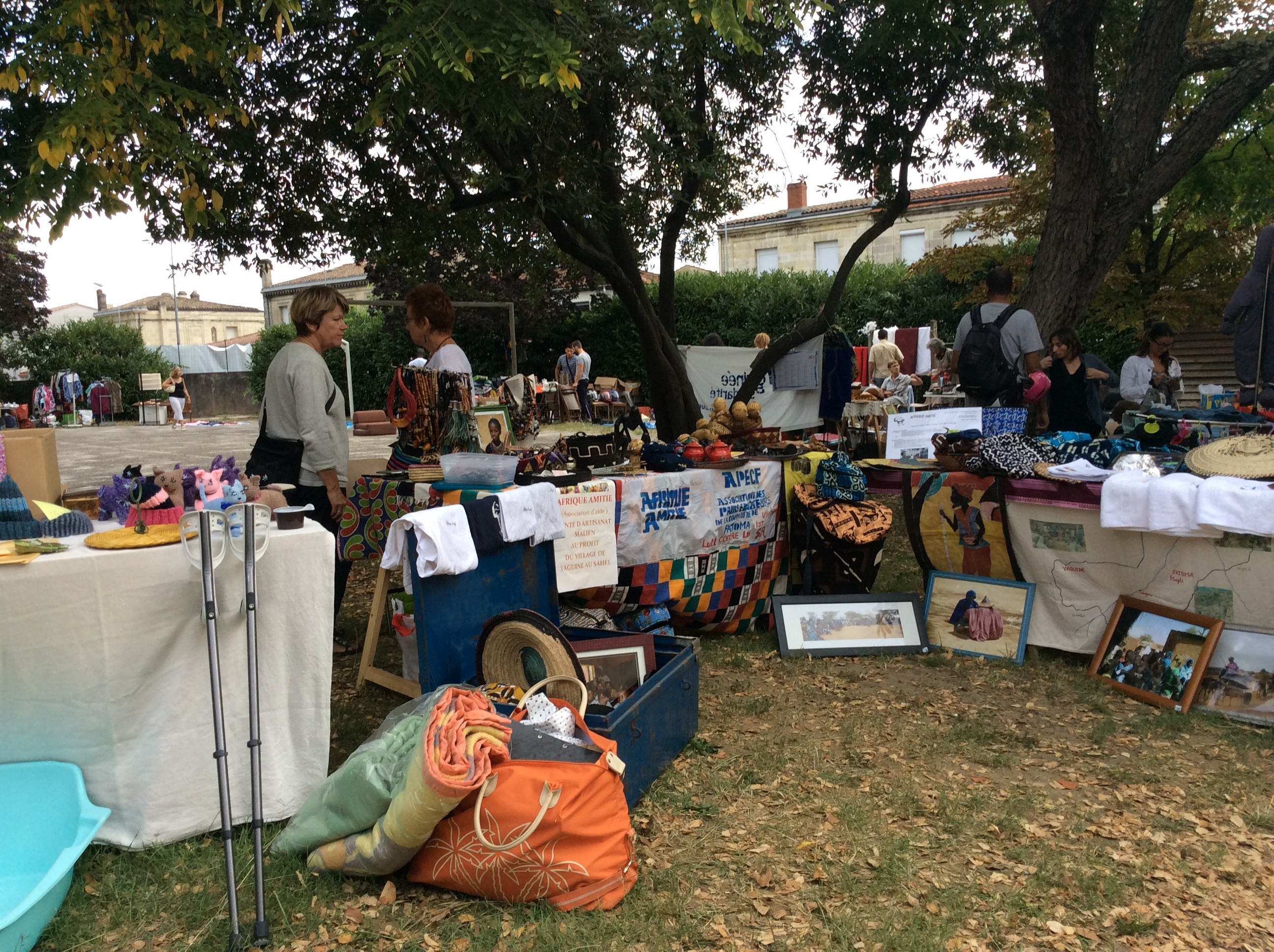 afrique amitié au vide grenier solidaire